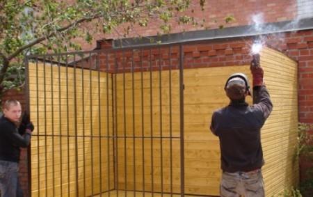 Обустройство стен вольера для собак